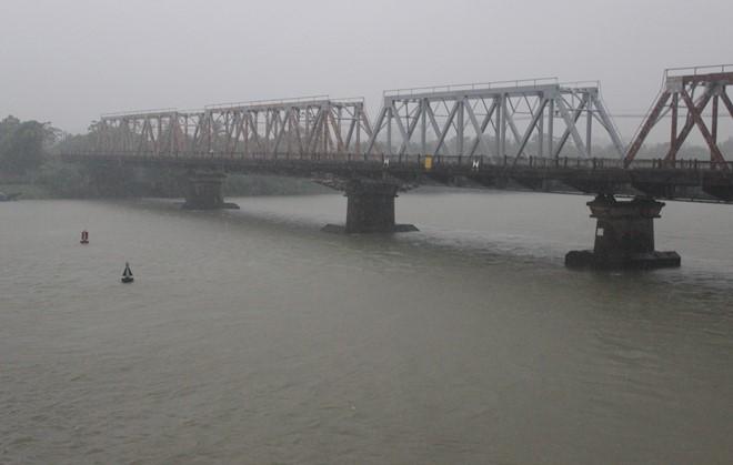 Nước sông dâng cao, nguy cơ xuất hiện lũ