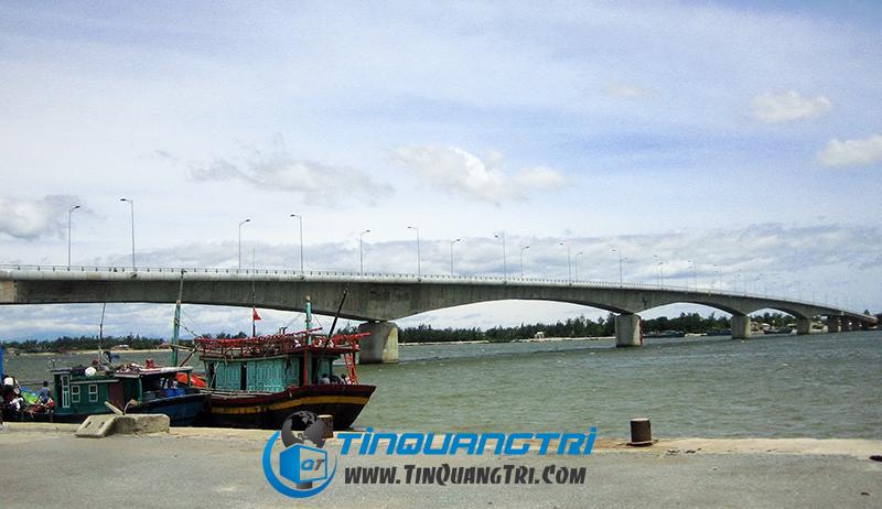 Cầu cửa Việt