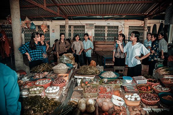 """Bộ ảnh kỷ yếu """"đặc biệt"""" của học sinh Vĩnh Linh"""
